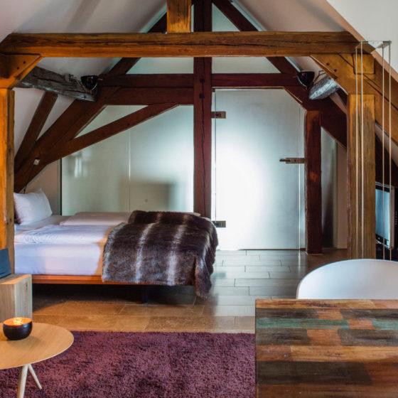 Loblocher Hof - Ferienwohnung 1 - Wohn- & Schlafzimmer