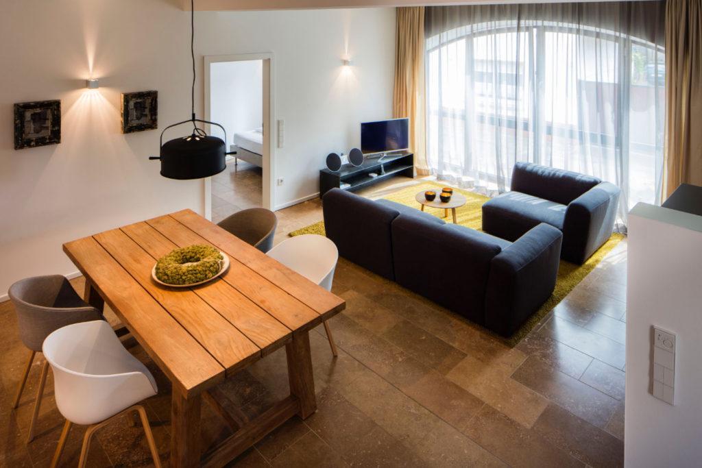 Loblocher Hof - Ferienwohnung 4 - Wohn- & Esszimmer